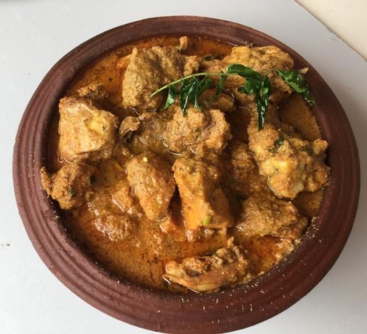 Kozhi Kulambu (Chicken Curry)